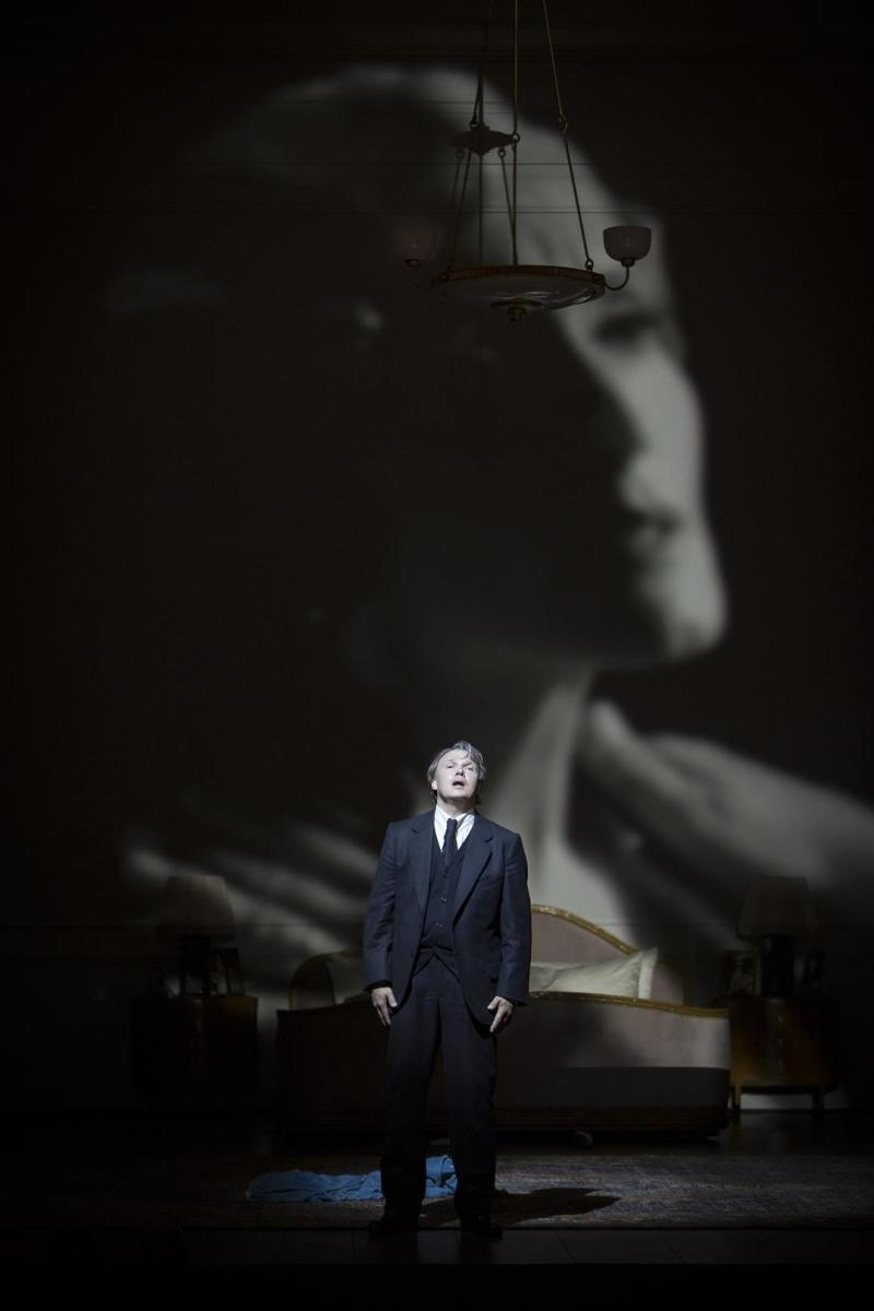 BWW Review: DIE TOTE STADT at Komische Oper Berlin - A Miscast, Misjudged, Major Disappointment