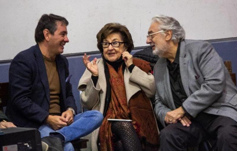 Plácido Domingo visita los ensayos de VLAD EL MUSICAL