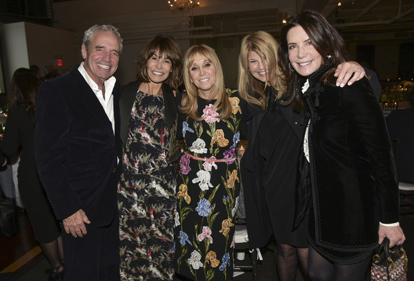 Gary Wexler, Nina Wexler, Iris Smith, Marcy Warren, Lois Robbins Photo