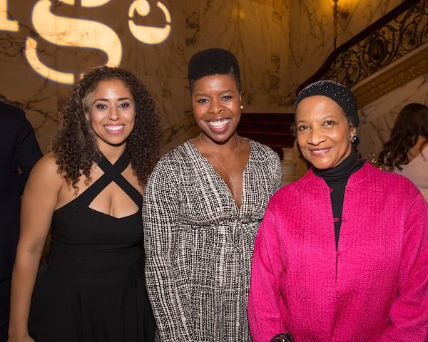 Acting Company alumni Tatiana Wechsler and Roslyn Ruff with Seret Scott.