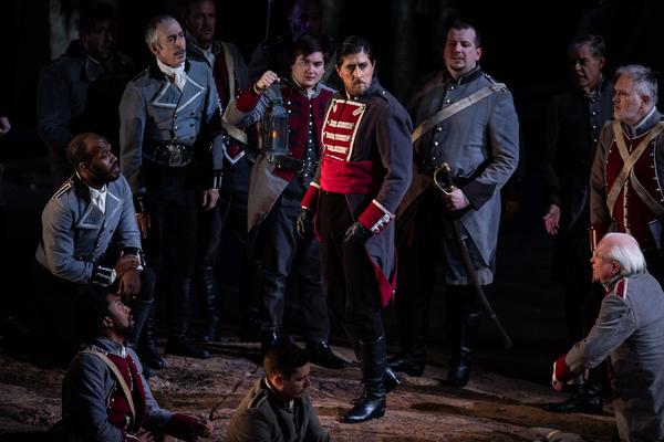 Photo Flash: Lyric Opera of Chicago Presents IL TROVATORE