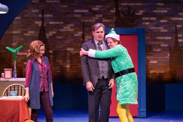 Christianne Tisdale (Emily Hobbs), Joe Gately (Walter Hobbs) and Erik Gratton (Buddy the Elf)