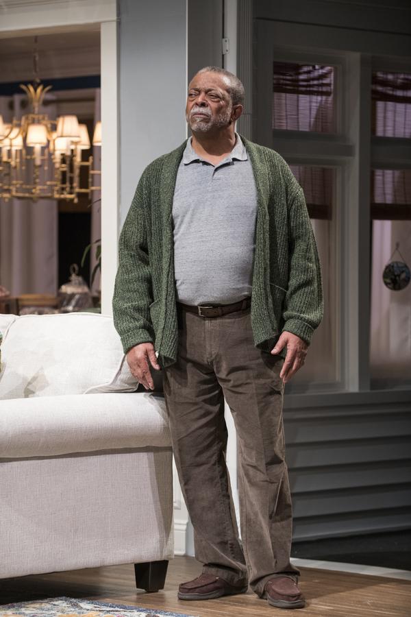 Cedric Young (Donald Chinyaramwira)