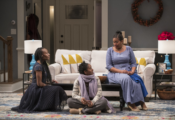Photo Flash: First Look at Steppenwolf's FAMILIAR