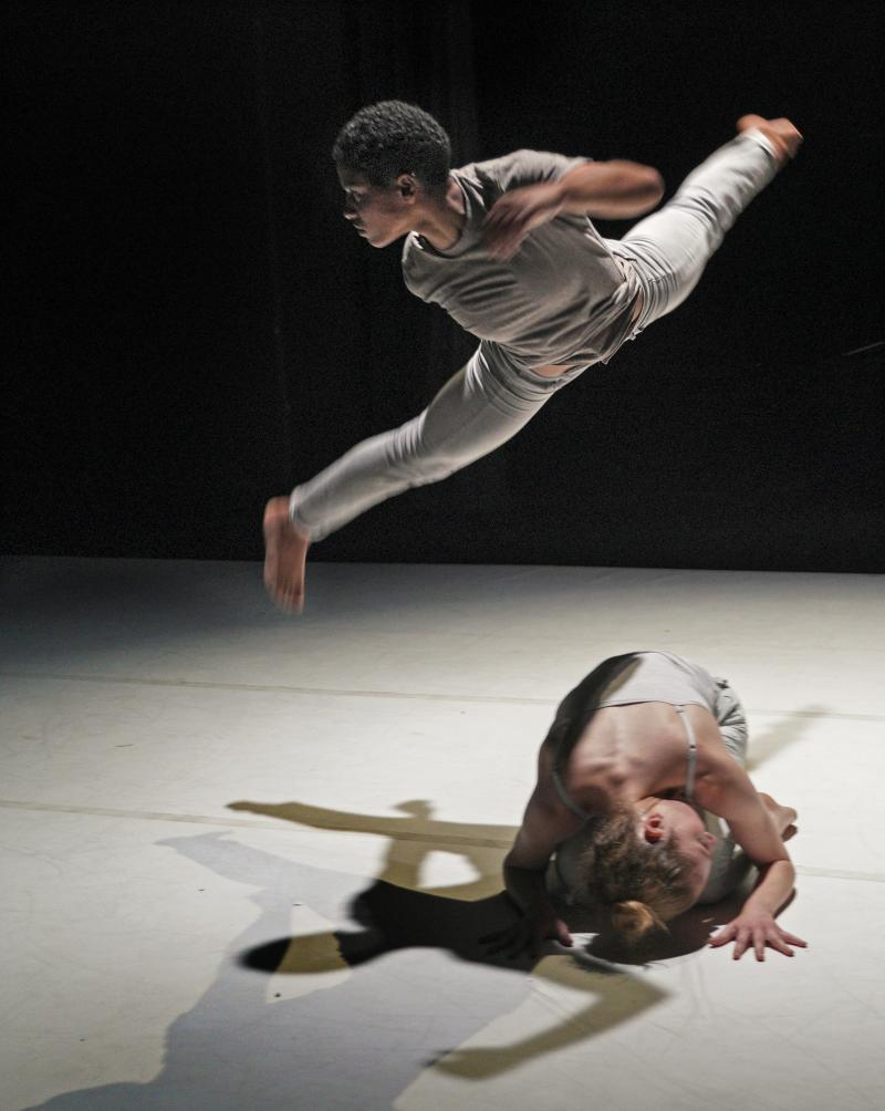 BWW Review: JACOB JONAS TAKES CONTEMPORARY DANCE TO A NEW FEEL, VIBE AND LEVEL OF EXPERTISE at The Wallis Annenberg Center For The Performing Arts