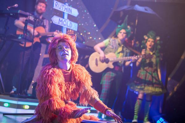 Daniel Lloyd (Wally Fitzwarren), Toby Falla (Tommy the Cat), Luke Thornton (Sniff), Alice McKenna (Scratch). Credit Sam Taylor