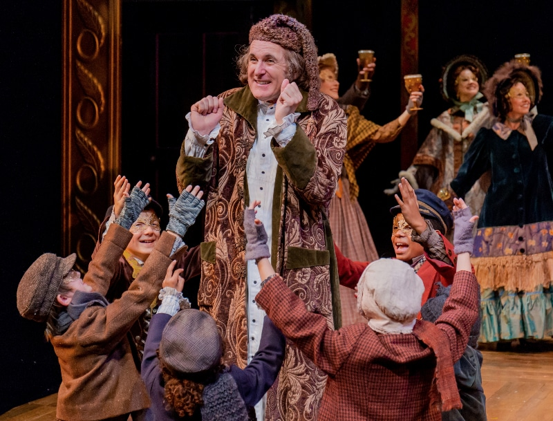 How Long Is The Christmas Carol Play.Bww Exclusive What Makes A Christmas Carol The Story Of The