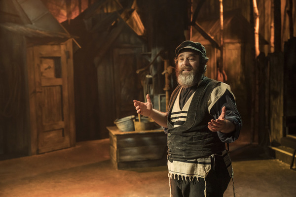 Photo Flash: First Look at Menier Chocolate Factory's Revival Of FIDDLER ON THE ROOF