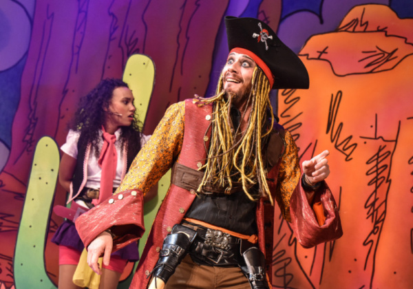 Michaela Bennison and Anthony Spargo in Robinson Crusoe, Greenwich Theatre, Photo credit Robert Day