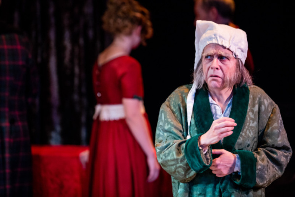Carine Montbertrand as Scrooge Photo