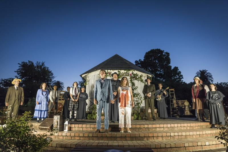 BWW Review: Melbourne Shakespeare Company's ROMEO & JULIET at St Kilda Botanical Gardens