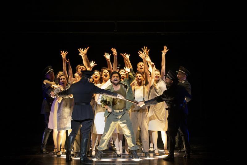 BWW Review: EVITA at State Theatre