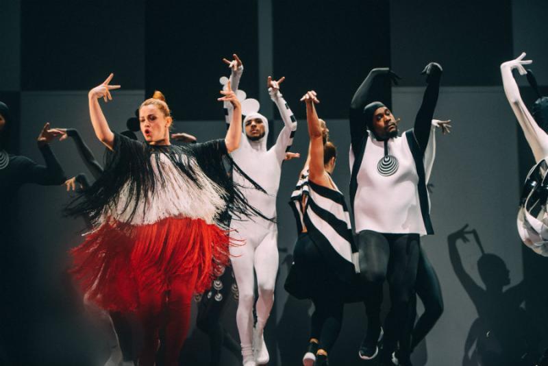 BWW Review: FASHION FREAK SHOW at Folies Bergère