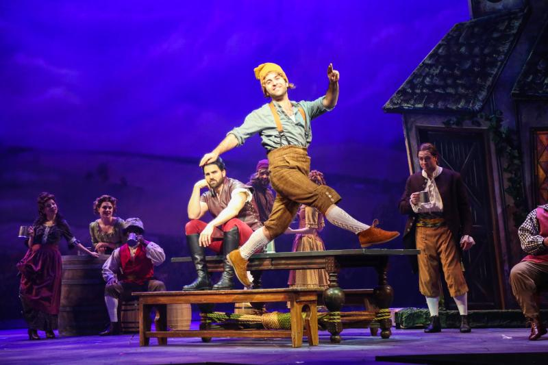 BWW Review: Theatre Under The Stars' BEAUTY AND THE BEAST is a Spectacular Storybook Come to Life