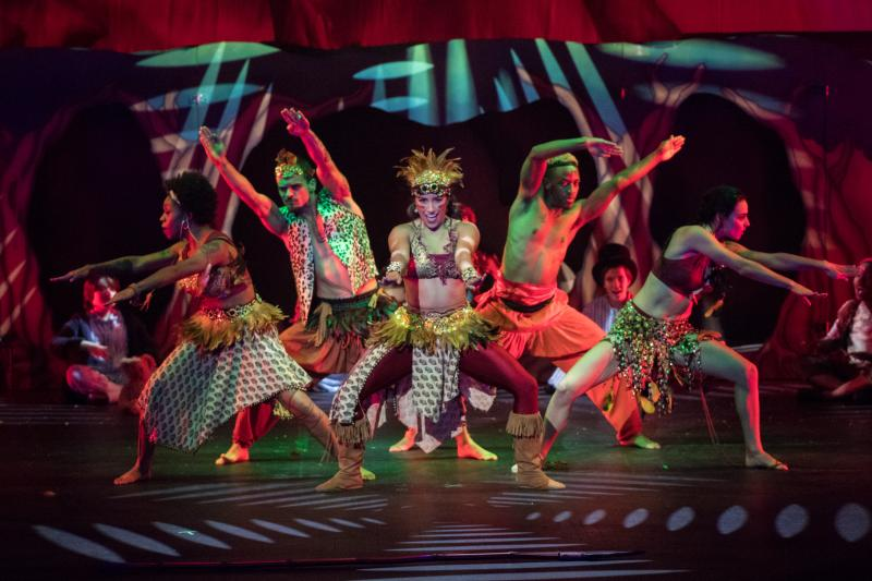 BWW Review: PETER PAN AND TINKER BELL: A PIRATE'S CHRISTMAS Brings Panto Tradition to Music City