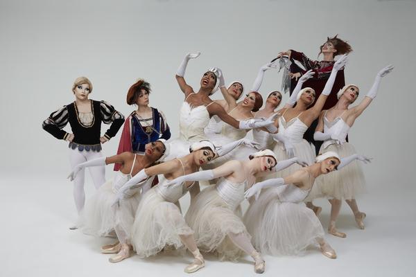 Les Ballets Trockadero de Monte Carlo, photo by Zoran Jelenic.