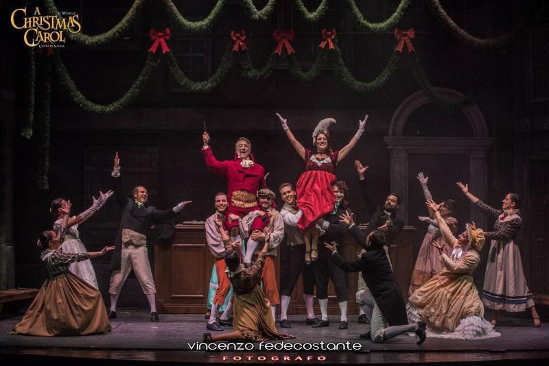 A CHRISTMAS CAROL: La Compagnia dell'Alba porta la magia di Dickens al Teatro Europauditorium di Bologna