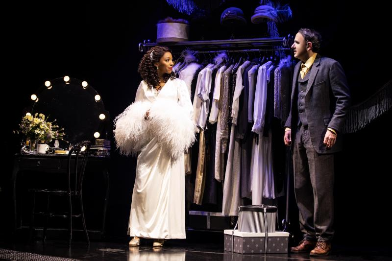 BWW Interview: Erik Lochtefeld Takes His Lumps in a Jaw-Dropping KING KONG