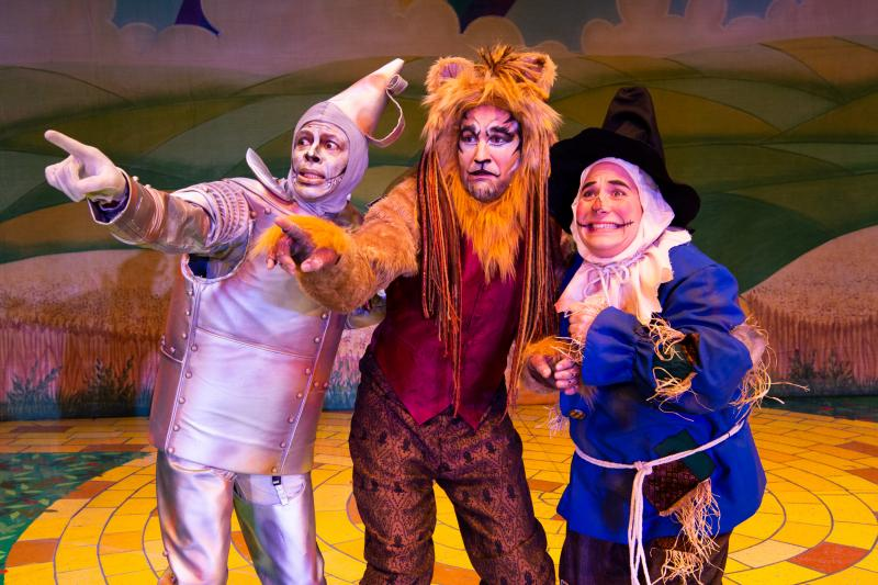 BWW Review: THE WONDERFUL WINTER OF OZ, Presented By The Lythgoe Family Panto, Scores Another 100% Entertainment Mark For The Holidays At Pasadena Civic Auditorium