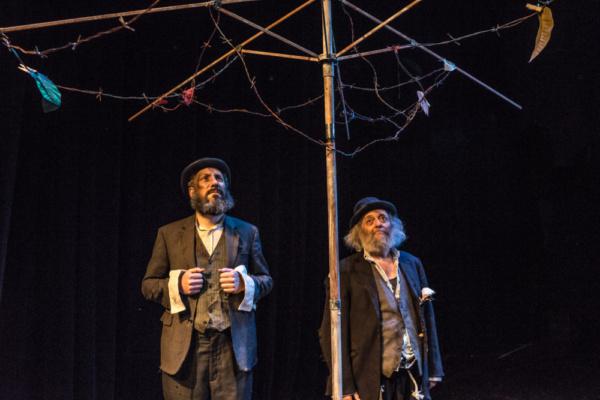 Eli Rosen as Vladimir and David Mandelbaum as Estragon. Photo by Dina Raketa. Photo