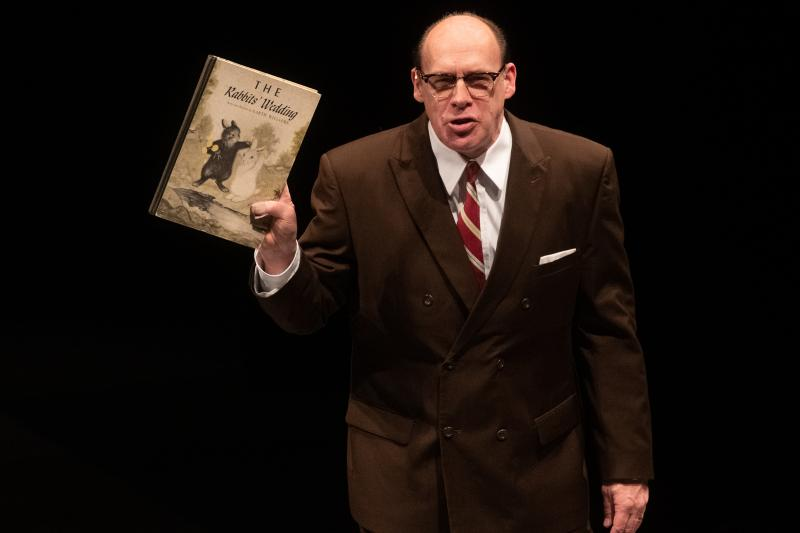 BWW Review: ALABAMA STORY Explores Censorship and Racism, Makes One Laugh and Think
