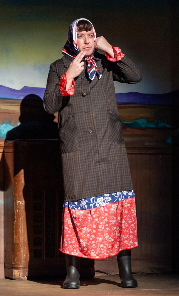 Photo Flash: GREATER TUNA Returns To Riverton Theaters