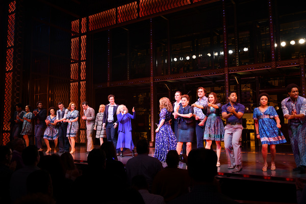 Photo Flash: Carole King Surprises the Cast of BEAUTIFUL With a Performance and Curtain Call