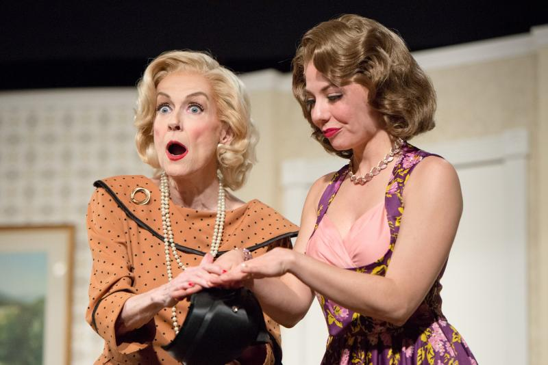 BWW Review: PERFECT ARRANGEMENT at DezArt Performs - What's In Your Closet?