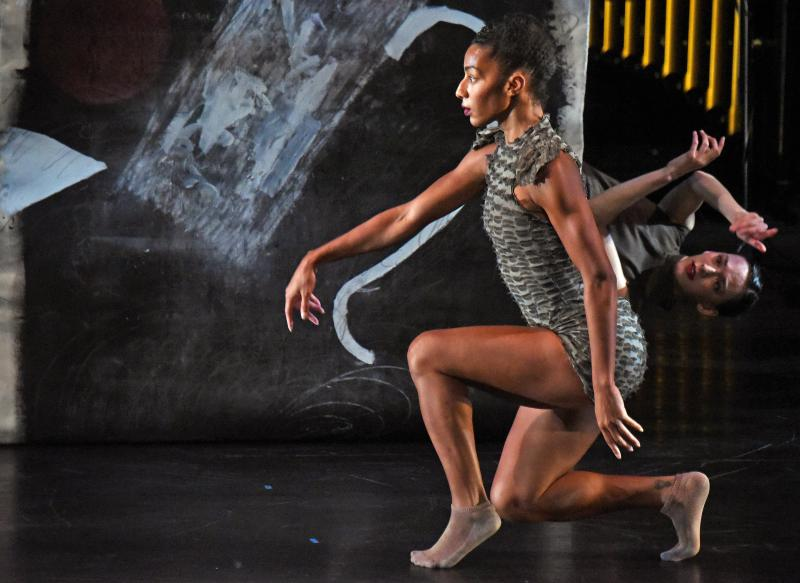 BWW Review: HUBBARD STREET DANCE CHICAGO & THIRD COAST PERCUSSION BLEND THEIR TALENTS INTO A FASCINATING EVENT  at The Wallis Annenberg Center For The Performing Arts