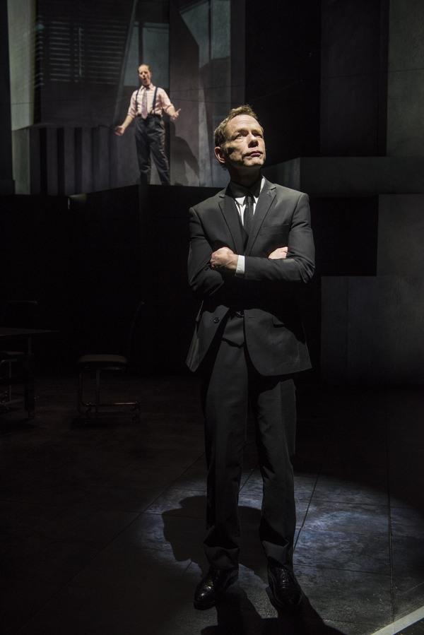Michael Milligan (background) and Jonathan Wainwright