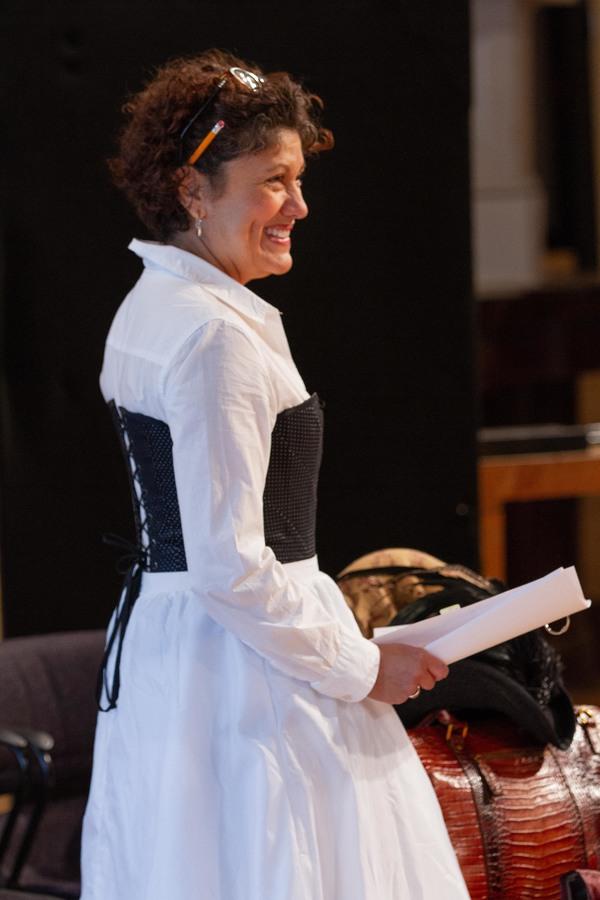 Sandra Marquez (Nora)