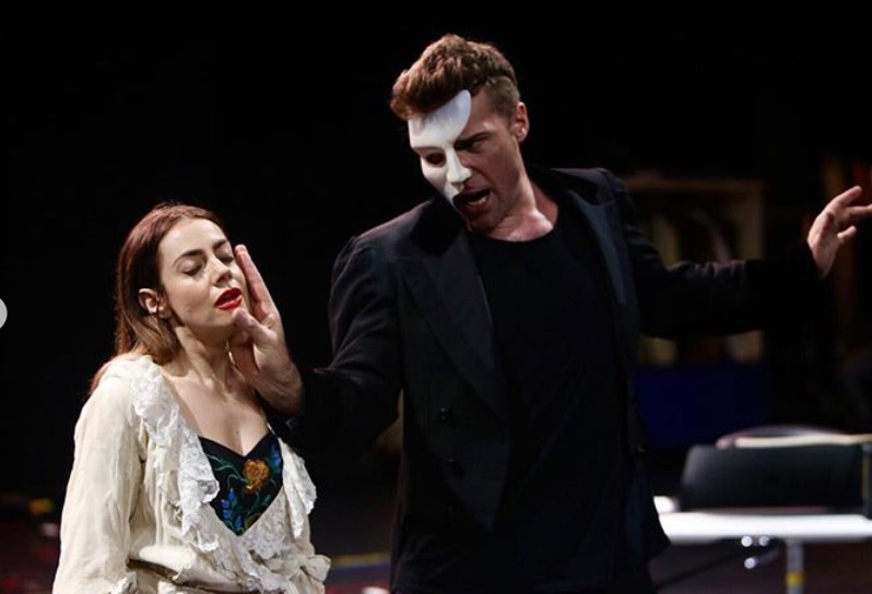 VIDEO: Roxmouth, Picerno Sing Excerpts from THE PHANTOM OF THE OPERA-World Tour