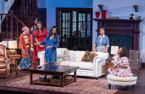 (from left) Wandachristine as Anne, Zakiya Young as Tendikayi, Ramona Keller as Margaret Munyewa, Cherene Snow as Marvelous Chinyaramwira, and Olivia Washington as Nyasha in Familiar