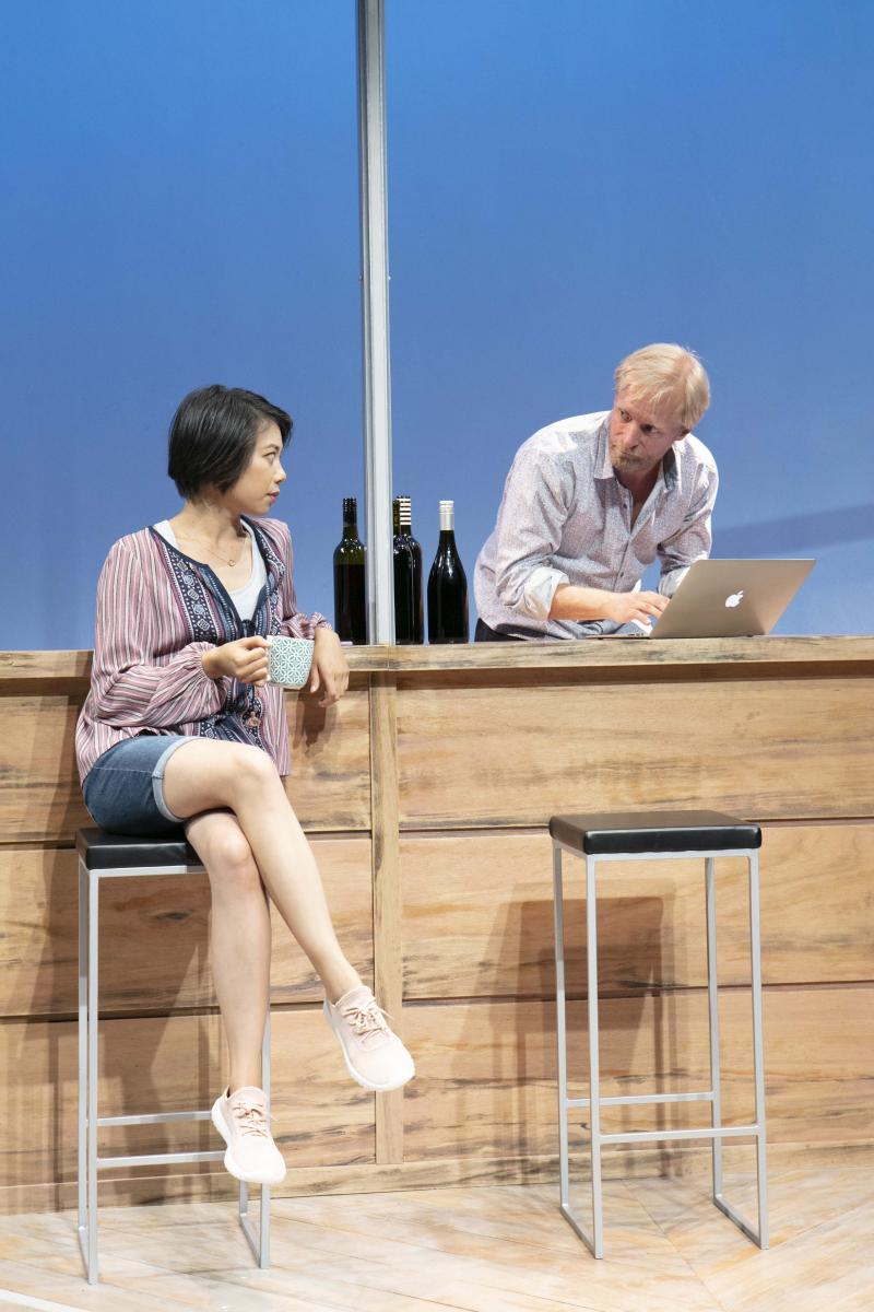 BWW REVIEW: The Darker Side Of The Entertainment Industry Is Exposed And Friendships Fall By The Wayside When Opportunity Knocks In THE BIG TIME.