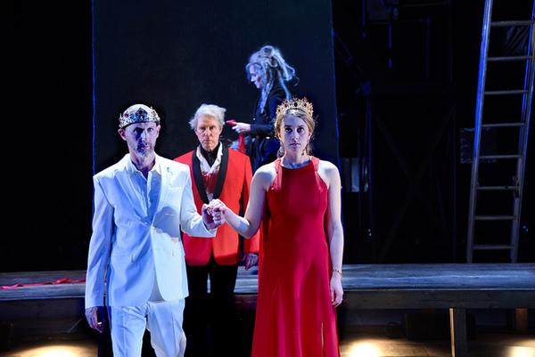 Mauro Hantman as Macbeth, Timothy Crowe as Duncan, Jeanine Kane as a Witch, and Julia Photo