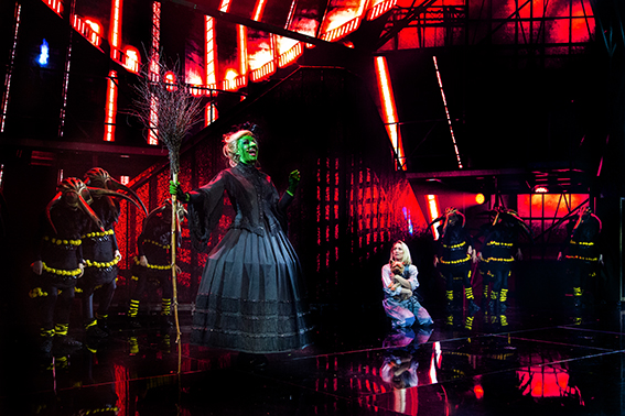 BWW Review: THE WIZARD OF OZ at Chateau Neuf
