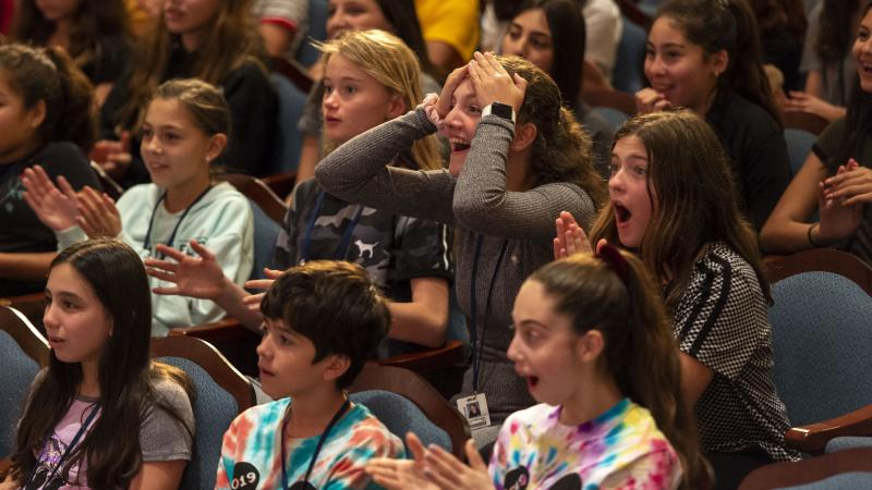 BWW Exclusive: ALADDIN's Adam Jacobs and Arielle Jacobs Surprise Students at Disney Performing Arts