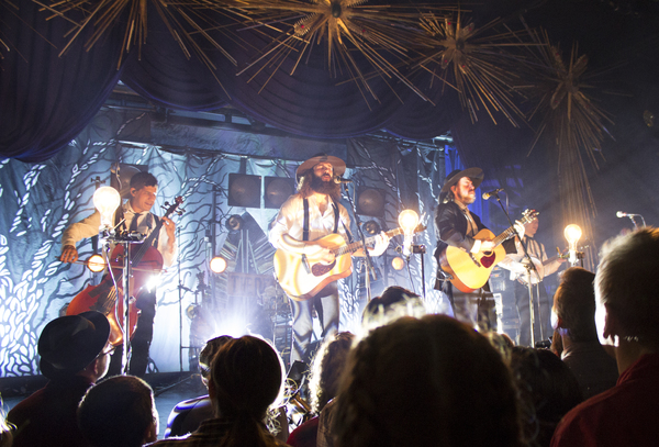 BWW Interview: THE DEAD SOUTH Charms North America and Europe With Bluegrass, Banjo, Guitar and Grit