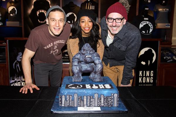 BWW Flashback: KING KONG Takes Final Broadway Bow