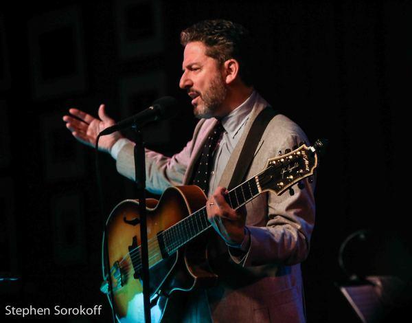 Photo Coverage: John Pizzarelli Brings Music and Humor To Birdland