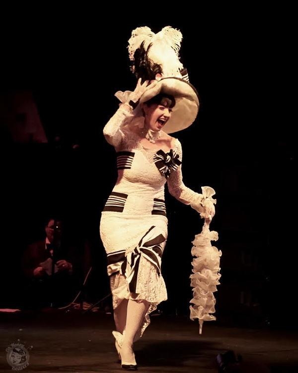 Richard Jay-Alexander Turns His Eye Onto Burlesque & Honey Beavers