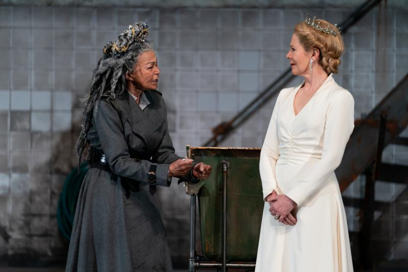 BWW Review: Dark and Unrelenting RICHARD THE THIRD at Shakespeare Theatre Company
