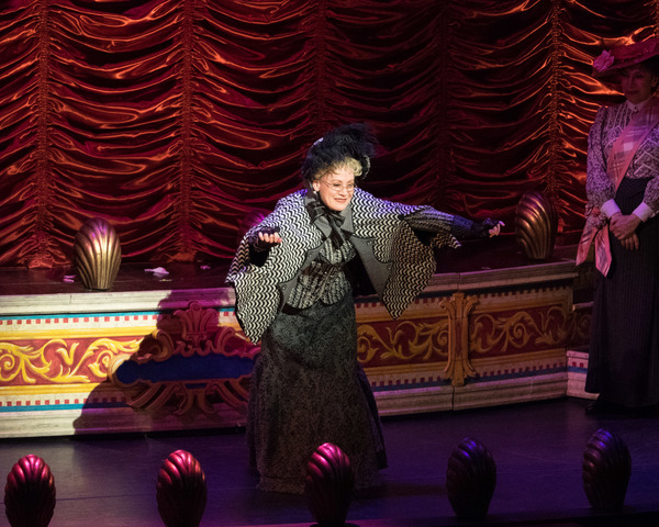 Photo Coverage: Curtain Call And Press Night Celebration of 3D Theatricals' A GENTLEMAN'S GUIDE TO LOVE & MURDER