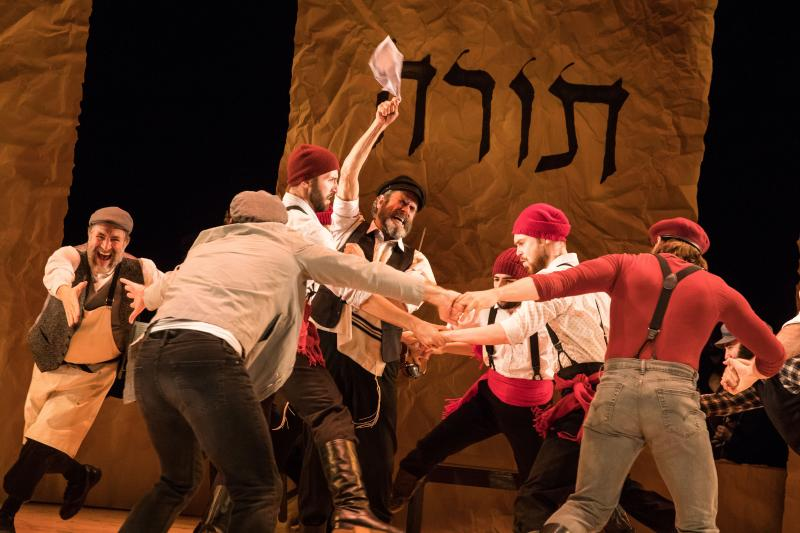 BWW Review: Joel Grey-Directed Yiddish FIDDLER ON THE ROOF Moves Uptown
