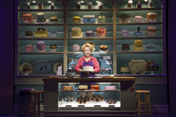 Photo Flash: First Look at Debra Jo Rupp and the Cast of THE CAKE