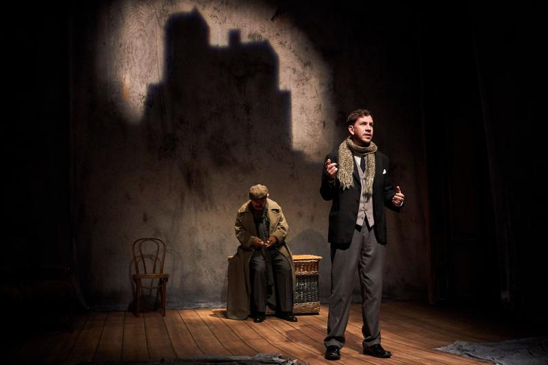 BWW Review: THE WOMAN IN BLACK at the Seattle Rep Will Send a Chill Up Your Spine