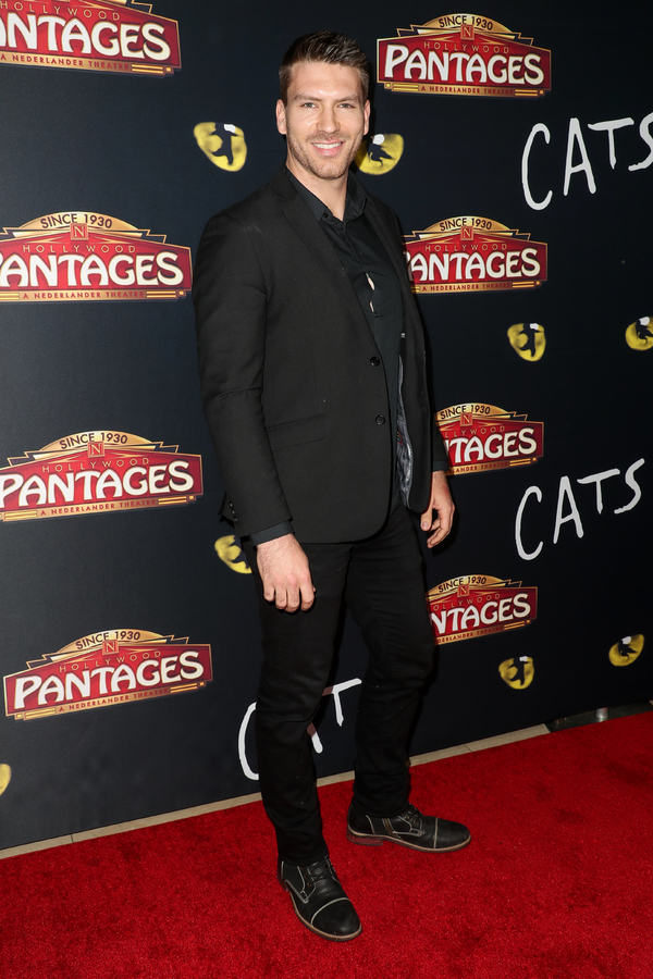 Photo Flash: On The Opening Night Red Carpet of CATS at the Pantages