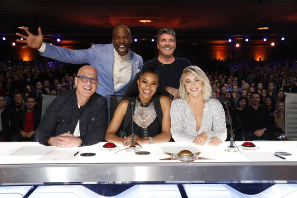 Howie Mandel, Terry Crews, Gabrielle Union, Simon Cowell, Julianne Hough