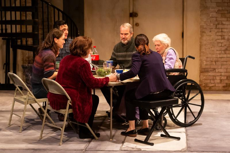 BWW Review: THE HUMANS at Alley Theatre