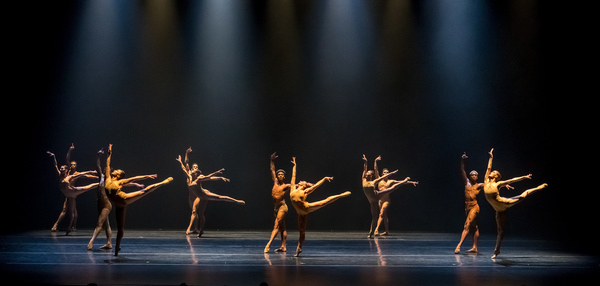 BWW Review: COMPLEXIONS Contemporary Ballet 25th Anniversary Celebration at the Joyce is a Spectrum of Perfection